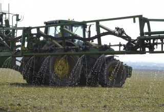 Surprise Easter weather increases risk of losses on liquid fertiliser